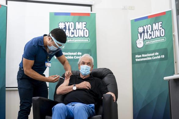 Chile tái bùng phát dịch COVID-19 do vắc xin của Trung Quốc hiệu quả không cao? - Ảnh 2.