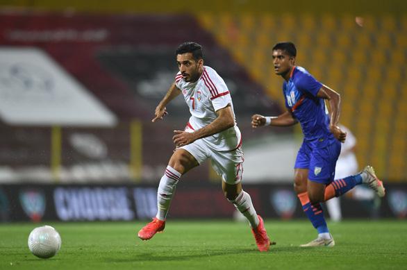 Vùi dập Ấn Độ 6-0, tuyển UAE gửi tin nhắn tới ông Park - Ảnh 2.
