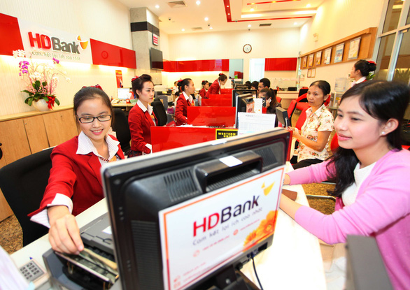 Thu nhập dịch vụ tăng trưởng cao, HDBank lãi hơn 5.800 tỉ đồng sau kiểm toán - Ảnh 1.