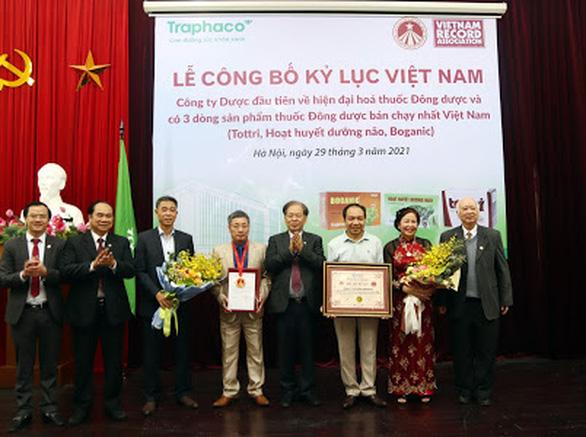 """Lần đầu tiên, tổ chức kỷ lục Việt Nam trao danh hiệu """"số 1"""" cho dược phẩm - Ảnh 1."""