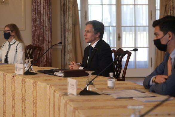 Ngoại trưởng Mỹ cáo buộc Trung Quốc phá hoại trật tự thế giới, không chơi theo luật - Ảnh 1.