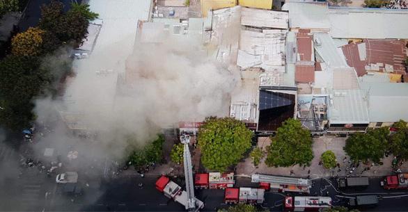 Cháy tại trung tâm quận 1, sơ tán toàn bộ học sinh Trường Ernst Thalmann - Ảnh 6.