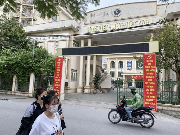 Bộ GD-ĐT đồng ý cho Học viện Múa Việt Nam cấp bằng tốt nghiệp cho học sinh - Ảnh 1.