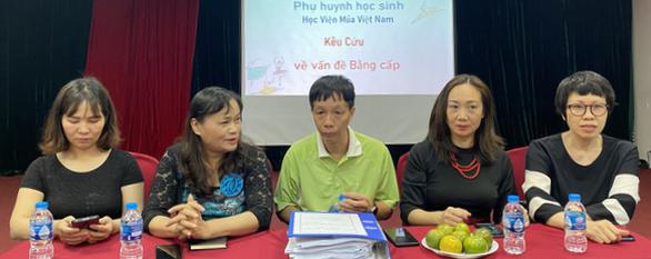 Hàng trăm học viên Học viện Múa Việt Nam ra trường trắng tay - Ảnh 1.