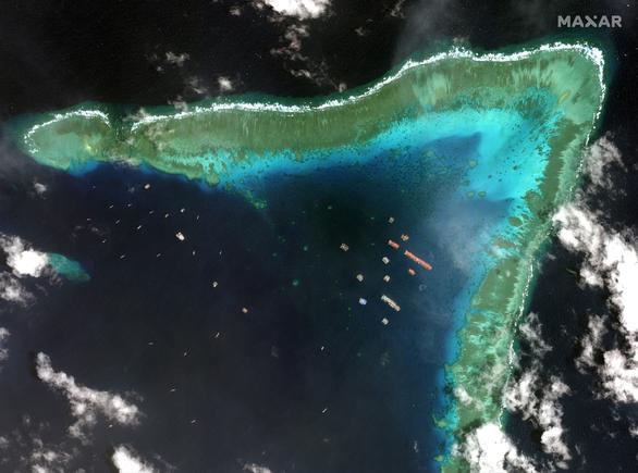 Philippines: Nhóm tàu Trung Quốc ở Đá Ba Đầu di chuyển rộng hơn - Ảnh 1.