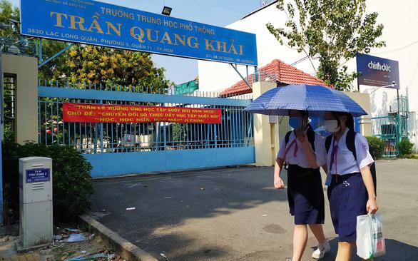 Nhìn lại án treo dành cho tiếp viên Vietnam Airlines làm lây lan COVID-19 - Ảnh 1.