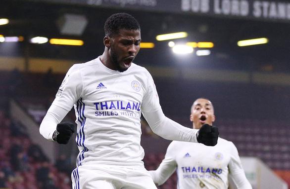 Man Utd và Leicester 'hụt hơi' trong cuộc đua vô địch với Man City - Ảnh 2.