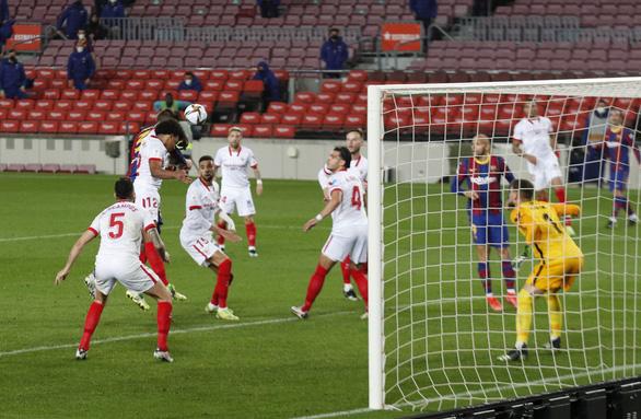Hạ Sevilla trong hiệp phụ, Barcelona vào chung kết Cúp Nhà vua - Ảnh 3.