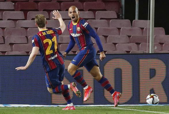Hạ Sevilla trong hiệp phụ, Barcelona vào chung kết Cúp Nhà vua - Ảnh 4.