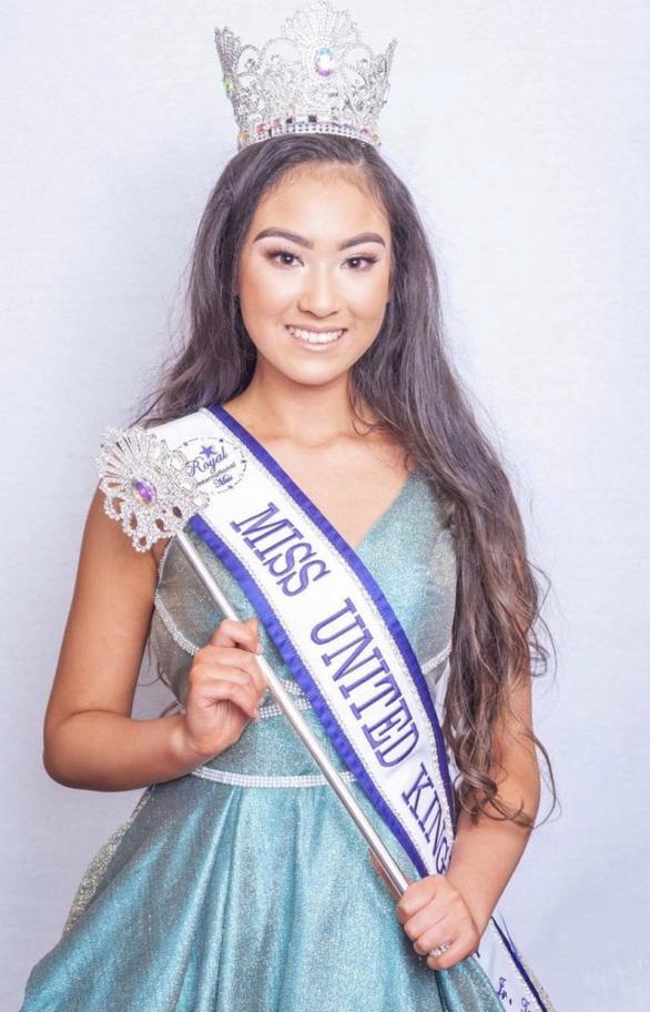 Cô gái gốc Việt 16 tuổi đăng quang cuộc thi sắc đẹp ở Anh - Ảnh 1.