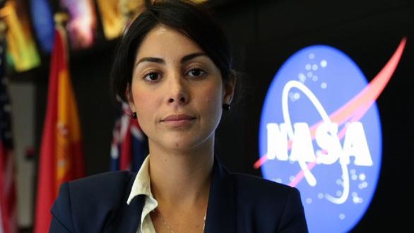 Đến Mỹ với 300 đôla trong túi, trở thành quản lý ở NASA - Ảnh 1.