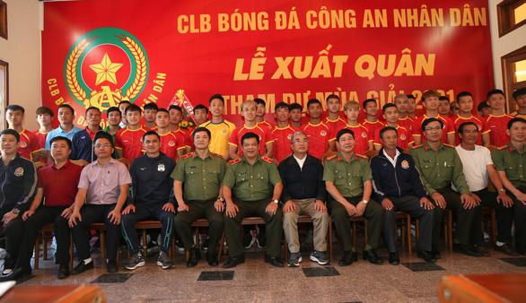 Hoàng Anh Gia Lai chi viện 11 cầu thủ cho đội hạng nhất Công An Nhân Dân - Ảnh 1.