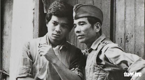 Trần Hạnh (phải) và Trần Vân trong vở Hẹn ngày trở về - Ảnh tư liệu Nhà hát Kịch Hà Nội