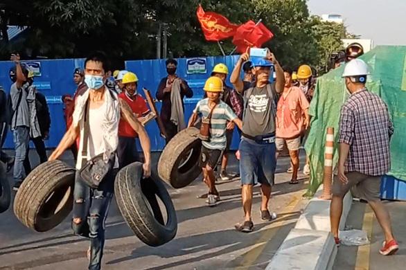 Biểu tình ở Myanmar gợi bóng dáng cuộc nổi dậy 8888 - Ảnh 1.