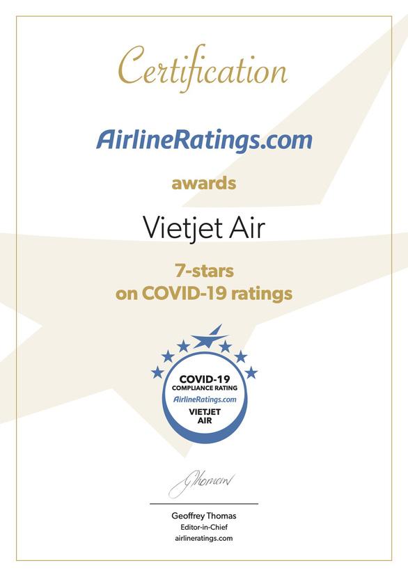 Vietjet đạt chứng nhận quốc tế cao nhất về phòng chống COVID-19 - Ảnh 1.