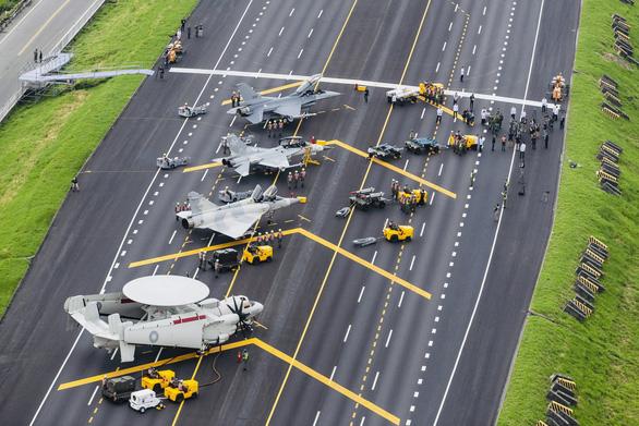 Chính phủ Trung Quốc muốn xây cao tốc, giúp Đài Loan thoát nghèo - Ảnh 1.