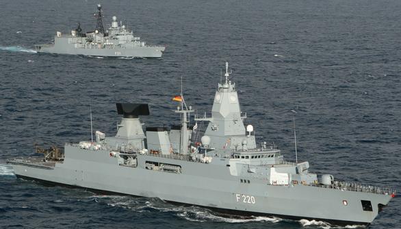 Đức đưa tàu chiến tới Biển Đông: Mỹ khen, Trung Quốc dọa nạt - Ảnh 1.