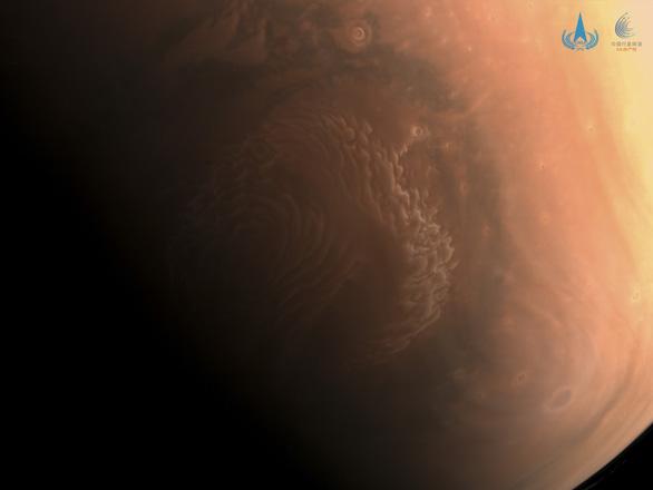 Trung Quốc công bố ảnh độ phân giải cao về sao Hỏa - Ảnh 1.