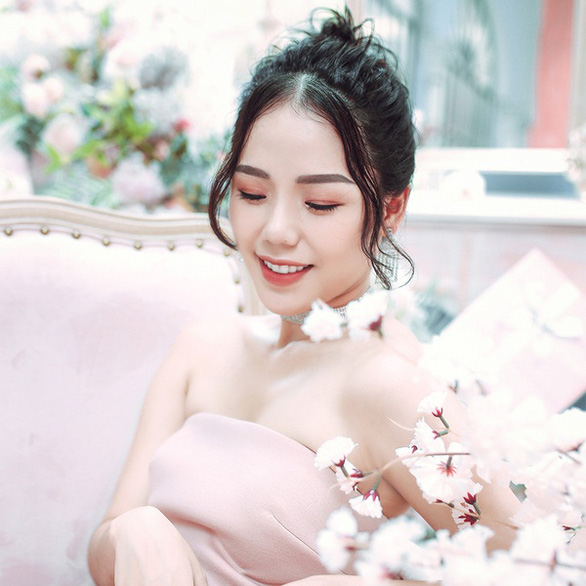 Hương Ly 'gây sốt' với ca khúc nhạc phim 'Yêu là thế ư?' - Ảnh 3.