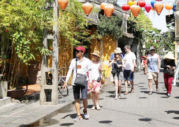 Tổng cục Du lịch: Xem xét mở cửa thị trường du lịch quốc tế - Ảnh 1.
