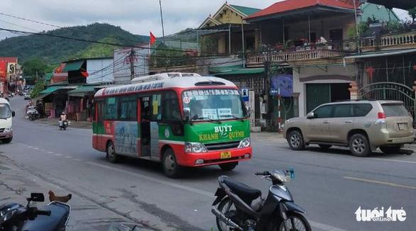 Điều xe buýt 'giải cứu' khách vì xe khách đồng loạt bãi bến - Ảnh 1.