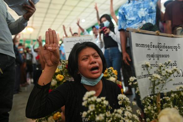 Biểu tình ở Myanmar gợi bóng dáng cuộc nổi dậy 8888 - Ảnh 2.