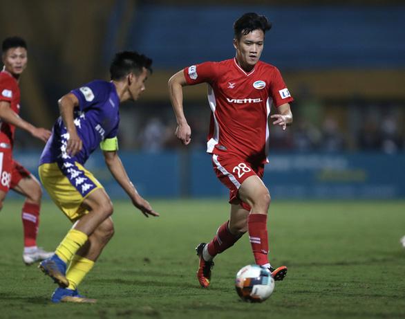 Xin tiêm vắc xin ngừa COVID-19 sớm cho tuyển Việt Nam, 3 CLB đá giải AFC - Ảnh 1.