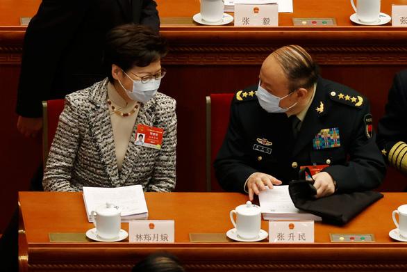 Chưa tìm đủ người yêu nước, Trung Quốc tính hoãn bầu cử Hong Kong - Ảnh 1.