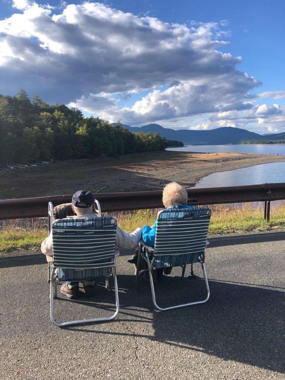Cặp đôi 94 tuổi ở New York nên duyên giữa đại dịch - Ảnh 2.