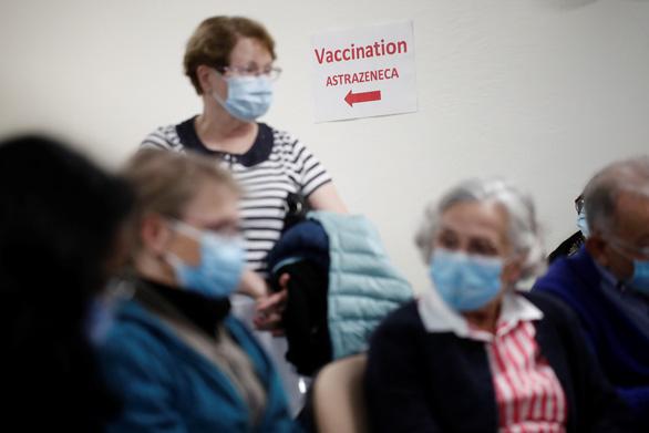 EU, Pháp, Đức lên tiếng ủng hộ Ý chặn xuất khẩu vắcxin đến Úc - Ảnh 1.