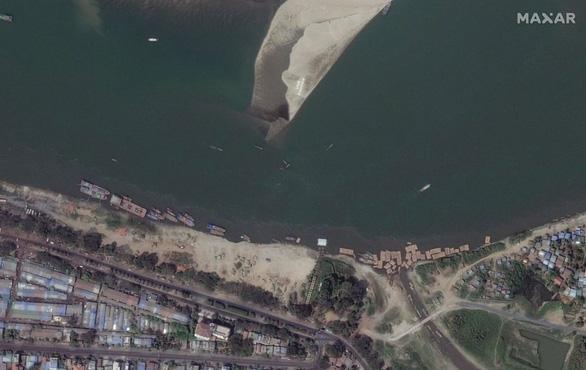 Biểu tình phản đối đảo chính ở Myanmar nhìn từ ảnh vệ tinh - Ảnh 8.