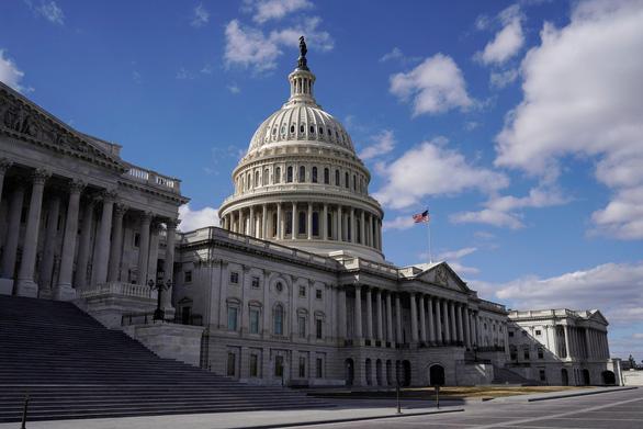 Thượng viện Mỹ thông qua gói cứu trợ COVID-19 trị giá 1.900 tỉ USD - Ảnh 1.