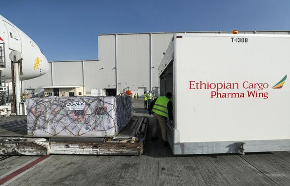 Ethiopia nhận một lúc 2,2 triệu liều vắc xin ngừa COVID-19 - Ảnh 6.