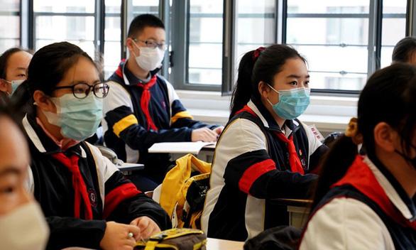 Đề xuất giảm tiếng Anh, nghị sĩ Trung Quốc bị dân mắng não bé - Ảnh 1.