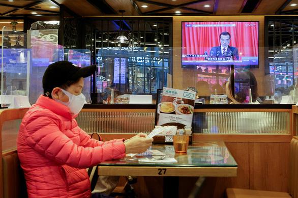 Lưỡng hội Trung Quốc: Muốn mạnh tay kiểm soát hoàn toàn Hong Kong - Ảnh 1.