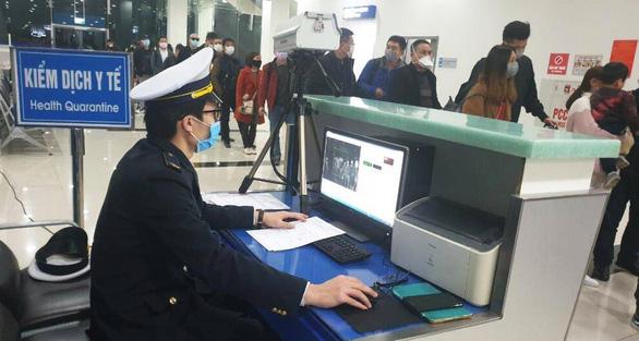 Bệnh nhân tái dương tính COVID-19, tìm khẩn khách trên chuyến bay TP.HCM đi Thái Bình - Ảnh 1.