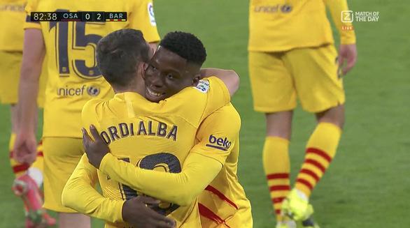 Messi với 2 pha kiến tạo giúp Barca áp sát ngôi đầu - Ảnh 3.