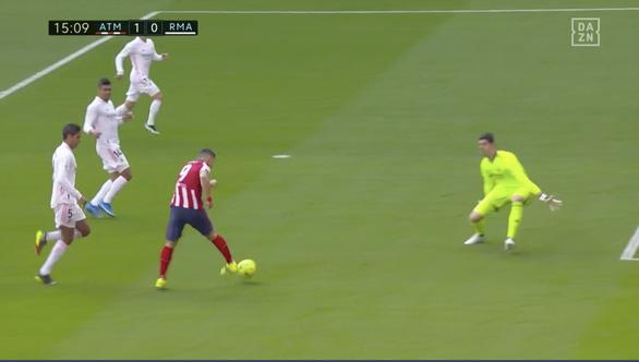 Benzema ghi bàn thắng muộn cứu Real Madrid và La Liga - Ảnh 2.