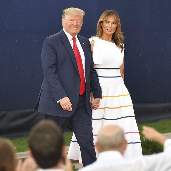 Mục sư bị cấm thuyết giảng do nói phụ nữ nên giảm cân nếu muốn ngoại hình đẹp như vợ ông Trump - Ảnh 1.
