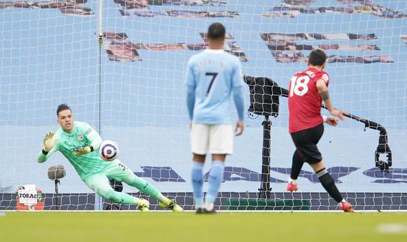 Man Utd buộc Man City nếm thất bại đầu tiên sau chuỗi 21 trận thắng - Ảnh 1.