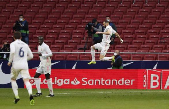 Benzema ghi bàn thắng muộn cứu Real Madrid và La Liga - Ảnh 4.