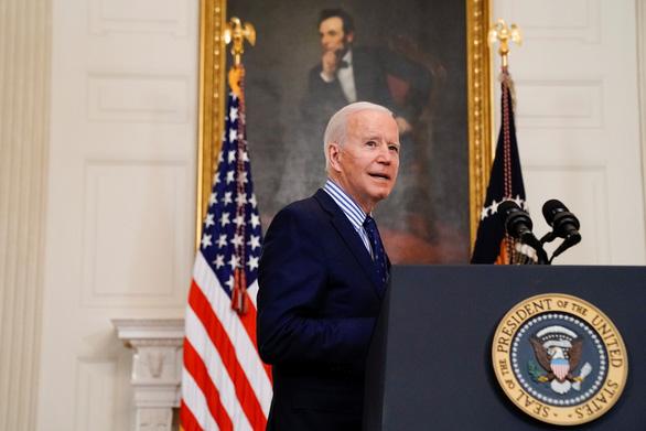 Ông Biden sắp ký lệnh bảo vệ học sinh không bị quấy rối tình dục - Ảnh 1.