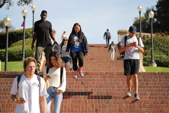 Đại học Mỹ trả 75 USD cho sinh viên nào chịu 'nghỉ lễ tại chỗ' - Ảnh 1.