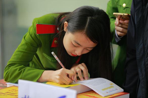 Các trường công an tuyển sinh: Nghiêm cấm thí sinh rải thảm đăng ký sơ tuyển - Ảnh 2.