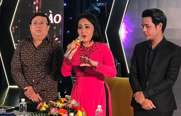 Gia Bảo tổ chức minishow cho nghệ sĩ Thanh Hằng - Ảnh 1.