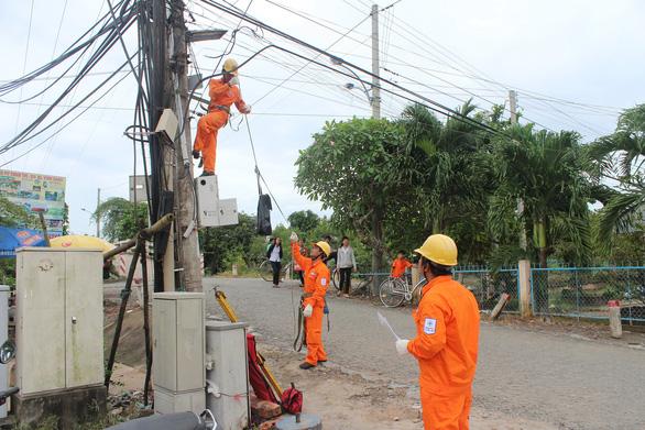 Ngành điện miền Nam khuyến cáo khách hàng sử dụng điện hiệu quả mùa nắng nóng - Ảnh 1.
