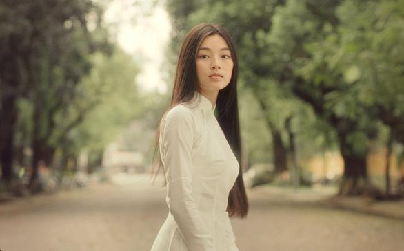 Trịnh Công Sơn và nàng thơ Diễm xưa đẹp mơ màng trong Em và Trịnh - Ảnh 4.