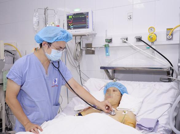 Hai bệnh viện phối hợp, cứu sống một bệnh nhân bị khối u lớn trong tim - Ảnh 1.