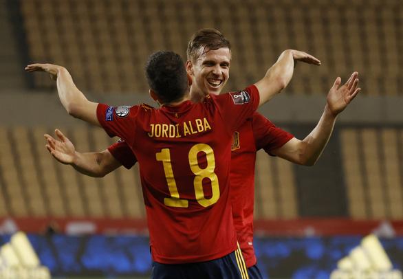 Maguire bắt vôlê ghi bàn, Anh thắng chật vật Ba Lan - Ảnh 4.