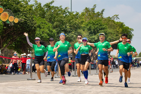 Đại sứ giải chạy BaDen Mountain Marathon 2021: Bông hồng thép sa mạc Thanh Vũ - Ảnh 2.